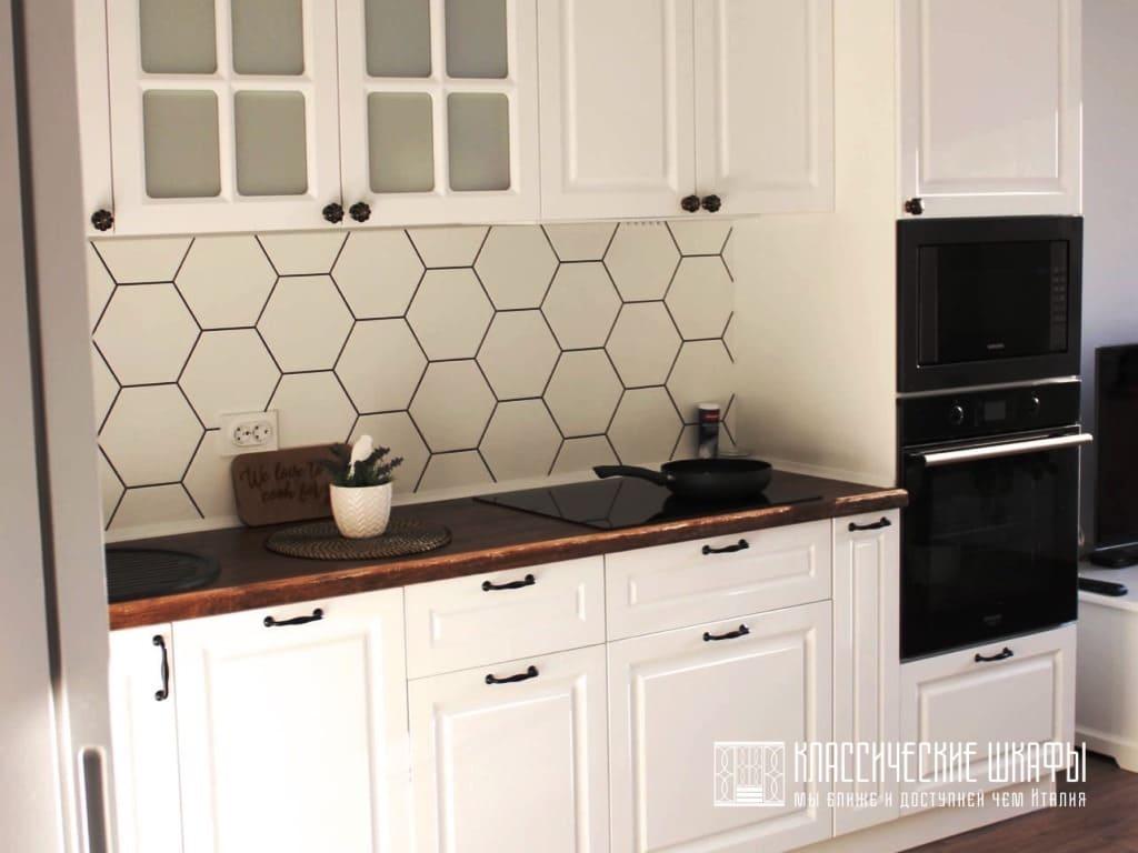 Белая классическая угловая кухня на заказ
