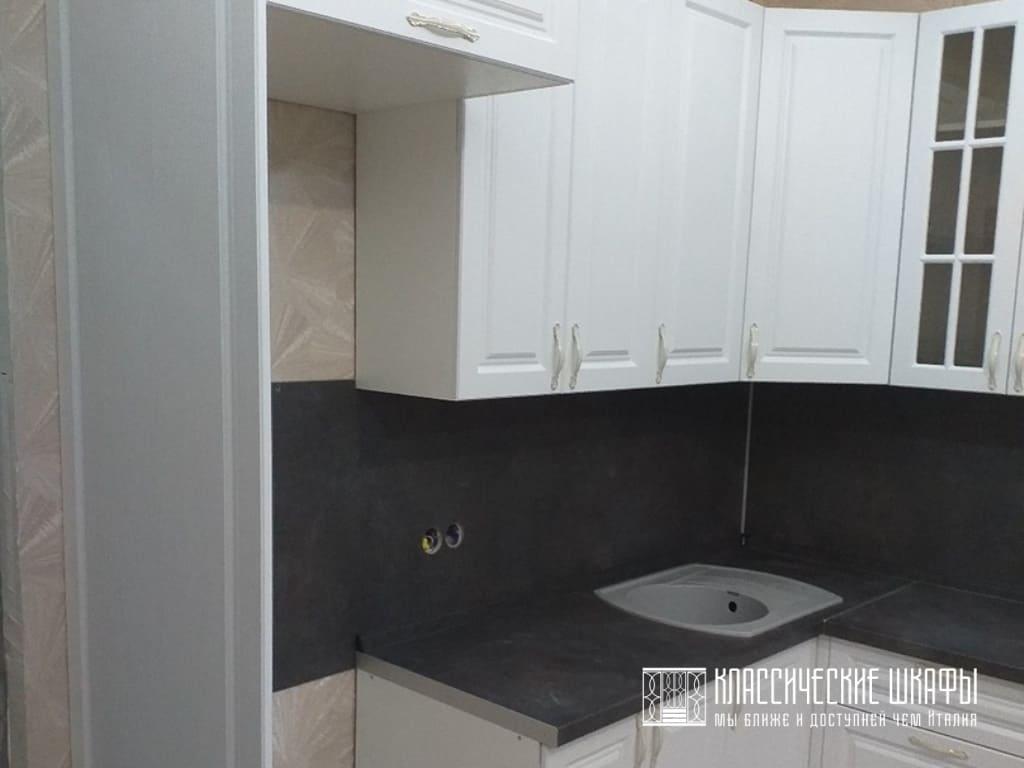 Белая кухня гостиная современная классика