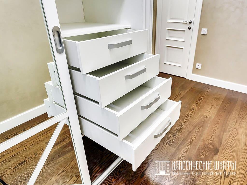 Шкаф купе классика белый с зеркалами