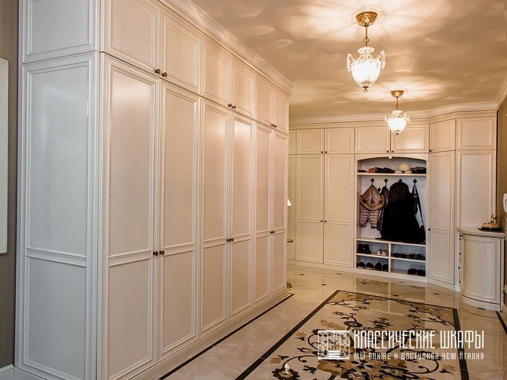Элитные классические шкафы в прихожую