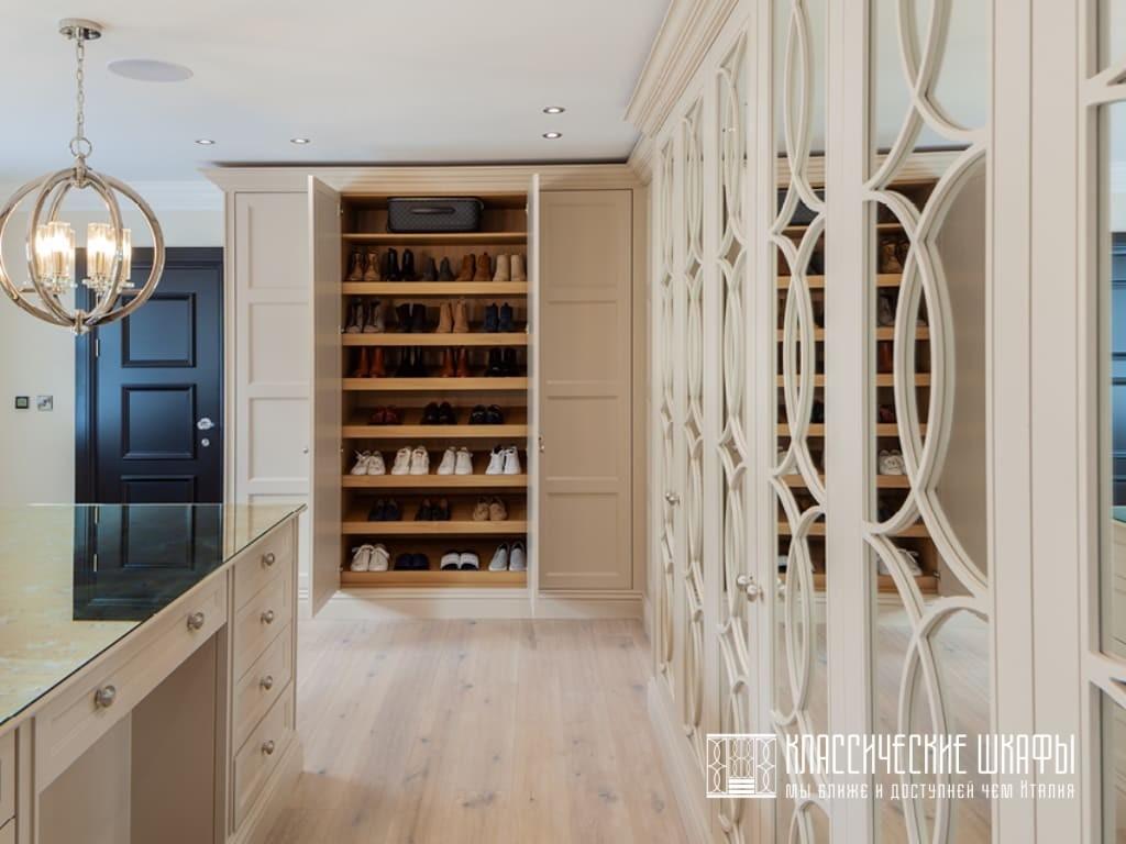 Классическая гардеробная комната на заказ