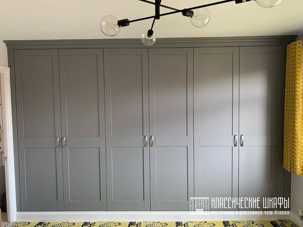 Классический шкаф на заказ темно серый