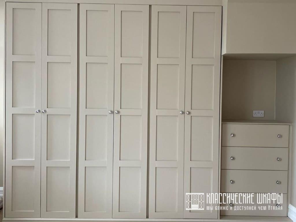 Классический шкаф с комодом и подсветкой