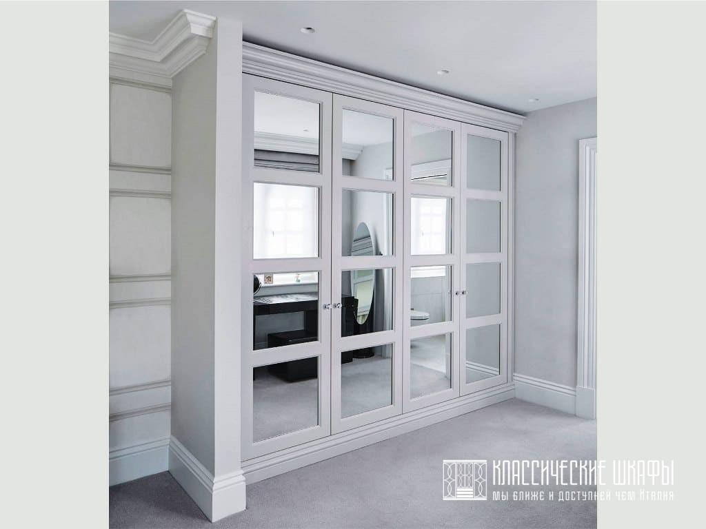 Классический шкаф в нишу между стен