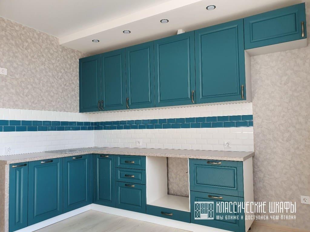 Кухня в классическом стиле угловая