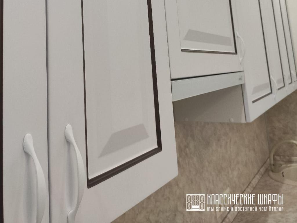 Прямая классическая кухня МДФ эмаль с патиной