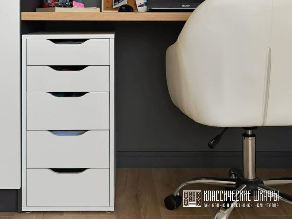 Шкаф классический с компьютерным столом