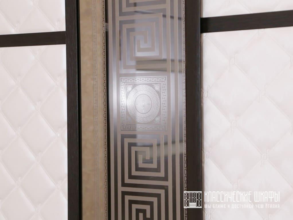 Шкаф купе современная классика в комнату