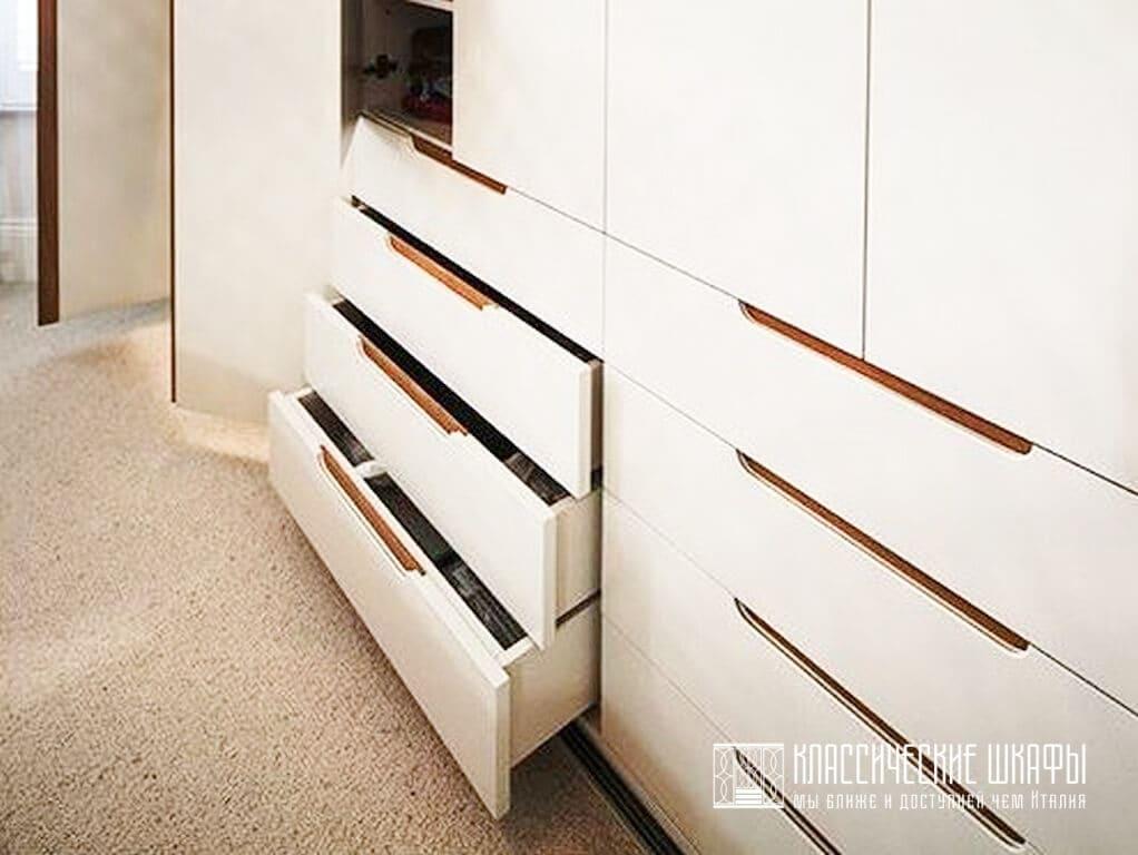 Шкаф в стиле современная классика