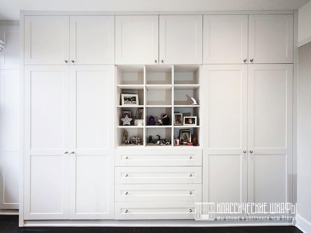 Шкафы классические в детскую комнату