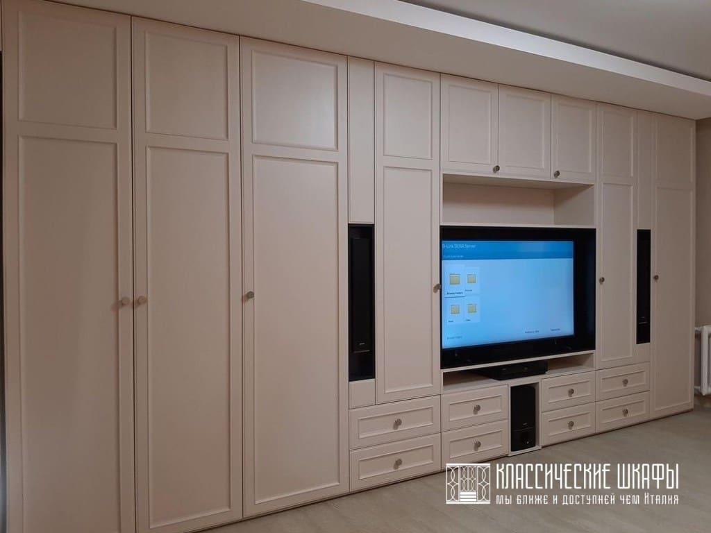 Стенка в гостиную классика с нишей под телевизор